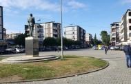 """Bashkia Mat do të fillojë punimet për shtrimin e pllakave në sheshin """"Demokracia"""" në qytetin e Burrelit"""