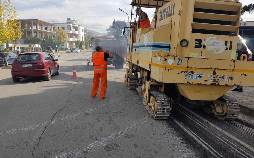 Ka nisur puna për riveshjen e rrugëve me asfaltobeton